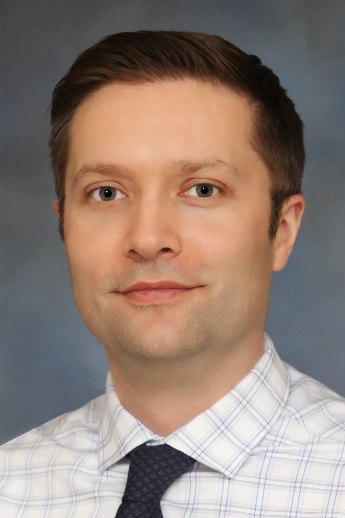 Sebastian Lesniak MD Ophthalmologist Cornea Specialist & Cataract Surgeon
